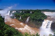aka-Iguazu-2004-05-15_iguazu04.jpg