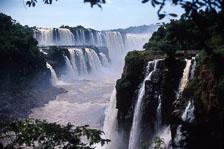 aka-Iguazu-2004-05-15_iguazu07.jpg
