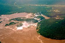 aka-Iguazu-2004-05-15_iguazu09.jpg