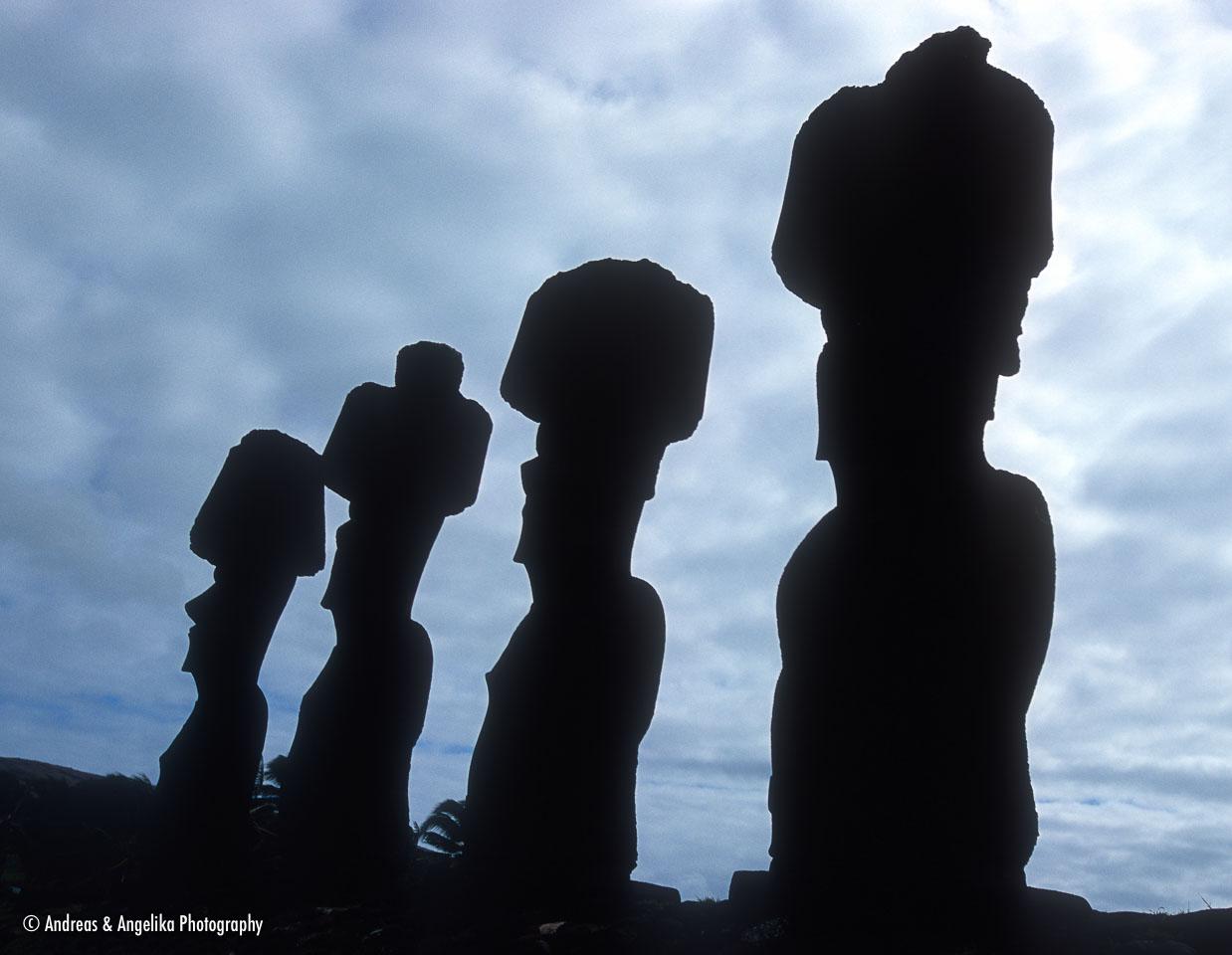 aka-Easter-Island-2004-07-30_ipc0002.jpg