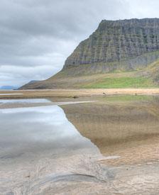 aka-Iceland-2010-08-13__D3X5617_8_9.jpg
