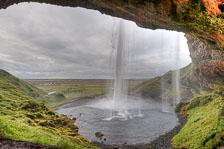 aka-Iceland-2010-08-24__D3X0254_5_6_7.jpg
