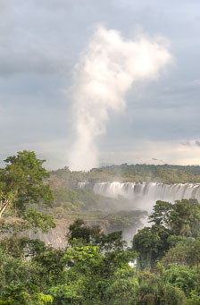 aka-Iguazu-2012-03-01__D3X0555_6_7_8_9.jpg